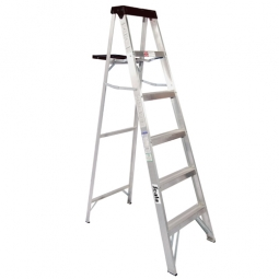 Escalera, tipo tijera de aluminio, base polipropileno